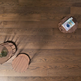 Michelangelo Tamarindo deski podłogowe od Listone Gordano.