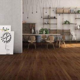 Smukłe, dębowe deski parkietowe DESIR FIESOLE rekomendowane na ogrzewanie podłogowe.