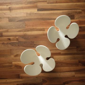 Podłoga drewniana ORZECH EUROPEJSKI Ancien - piękny mix różnych szerokości i długości desek.
