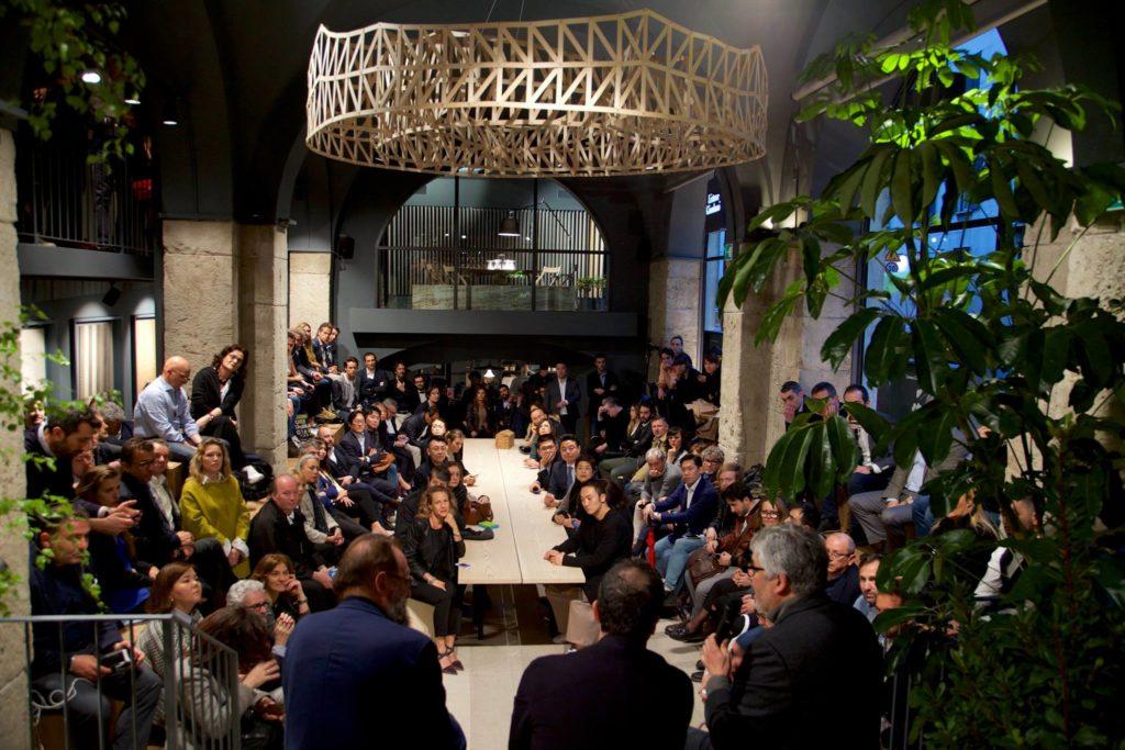 Przestrzeń inspiracji, dedykowana spotkaniom, dyskusjom, wymianie myśli iedukacji. Milano Design Week 2019