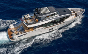 Jacht San Lorenzo 102