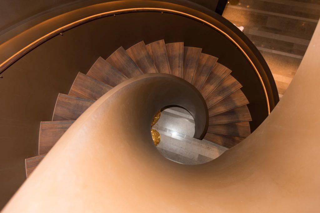 Burgenstock Hotel - zakręcane schody